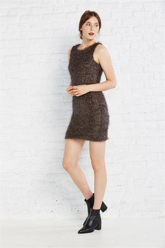 vestido-espumillon-gris-oscuro-tirantes-con-detalle-cremallera