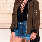 Summer Trends 2016: Bomber Jacket + Lace Up Blouse / Tendencias Verano 2016: Chaqueta Bomber + Camiseta con Cordones