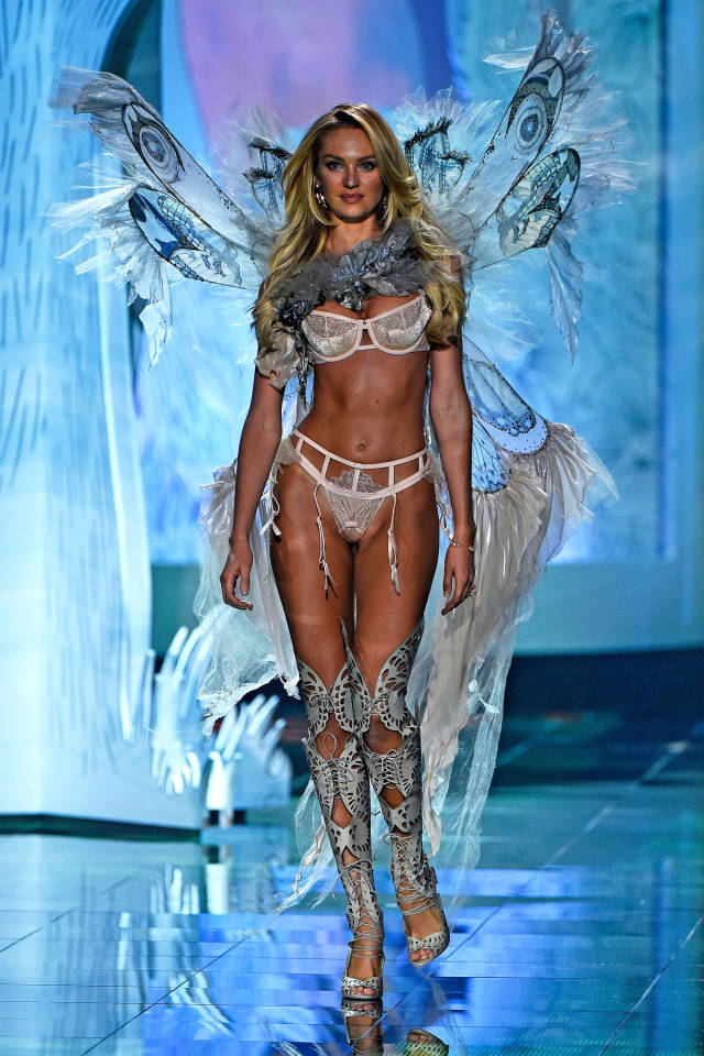vs-fashion-show-runway-Candice-Swanepoel-2